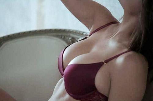 Nâng ngực dưới cơ