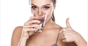 Uống nhiều nước sau khi hút mỡ thành công